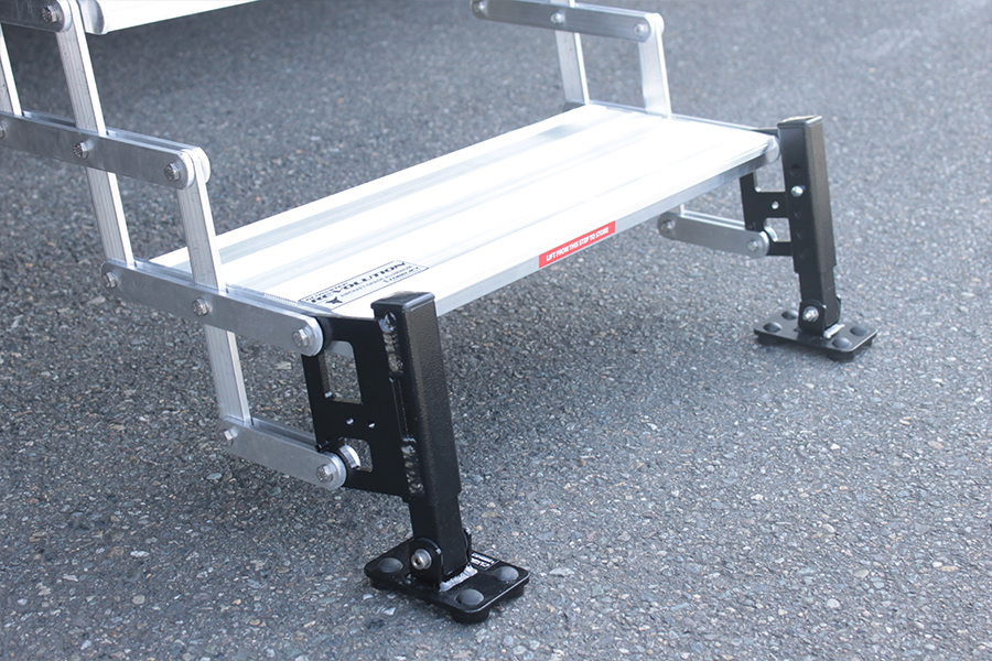 ALL TERRAIN LANDING GEAR ON THE GLOWSTEP REVOLUTION